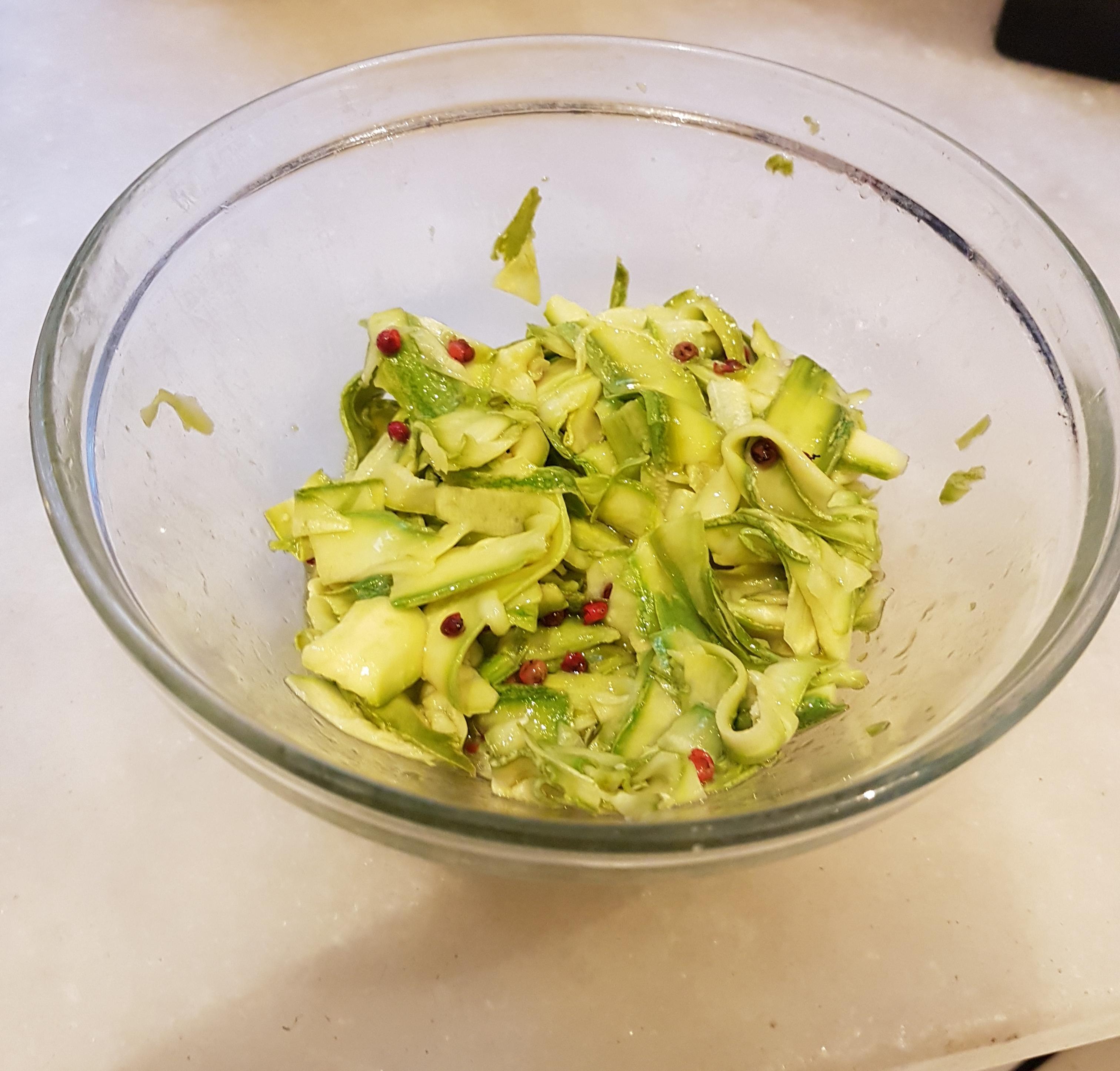 """Ricetta – zucchine marinate,               """"consila comu a vo' sempri è cucuzza"""""""