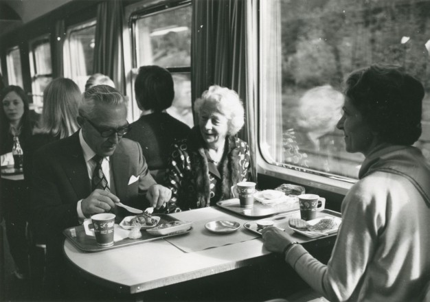 Ma tu viaggi come mangi?                     Sei sicuro di essere un compagno di viaggio gradevole?