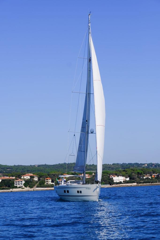 Avete la fortuna di un invito in  barca,   salite a bordo con il piede giusto e scalzo.